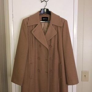 Metro trench coat (NEGOTIABLE)